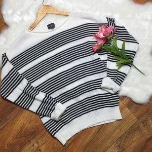 Market & Spruce stitch fix white black striped swe